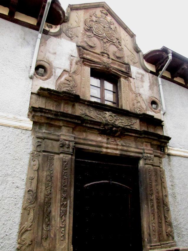 Jaca 14 novembre 2010 - Casa de la cadena ...