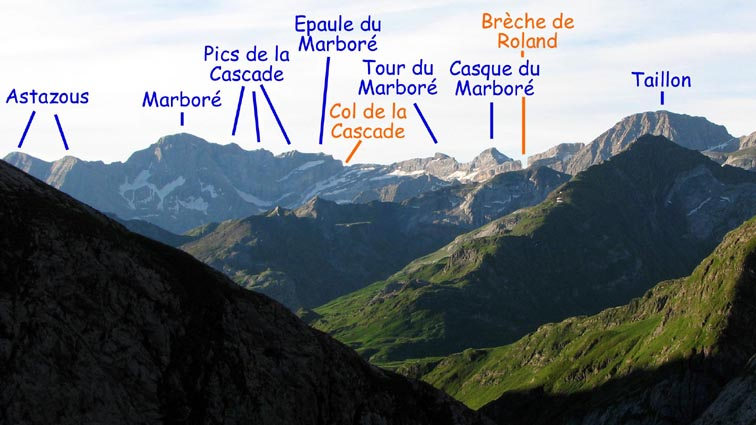Les sommets de Gavarnie commencent � pointer le nez.